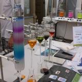 Schwarzlicht Experimente bei der bunten Laborküche beim Bergstadtfest Freiberg